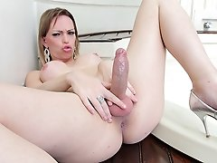 Sexy transsexual Alessandra Leite takes some Ramon cock!